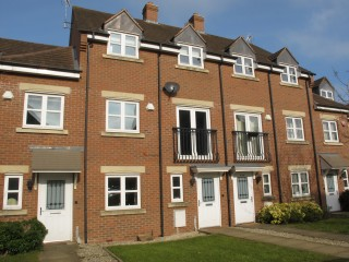 Town House For Sale in Solihull
